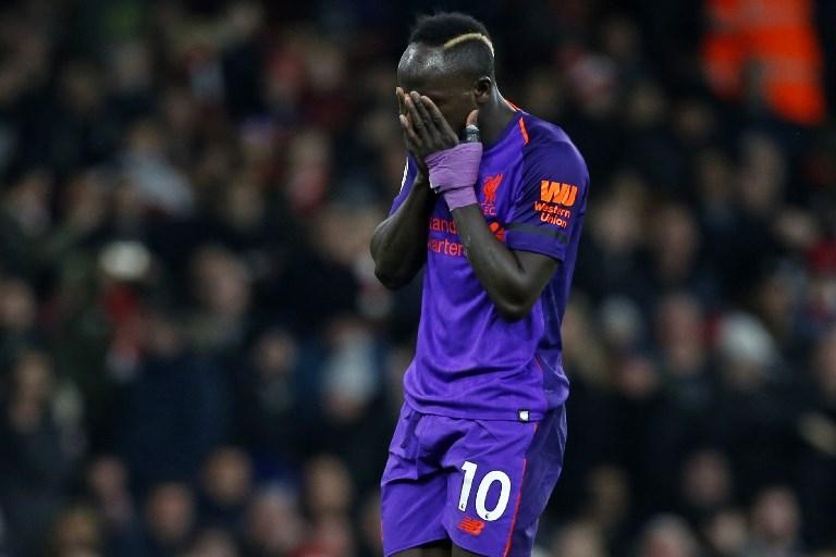 Összeomlott a pályán a Liverpool sztárfocistája