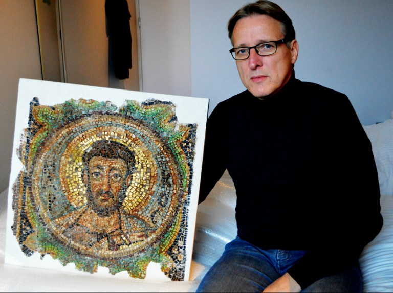 """Felbecsülhetetlen értékű, 1600 éves mozaik nyomára bukkant a """"műkincsek Indiana Jonesa"""""""