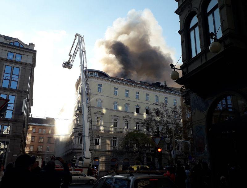 Befogadná az MSZP a tűz miatt iroda nélkül maradt DK-t