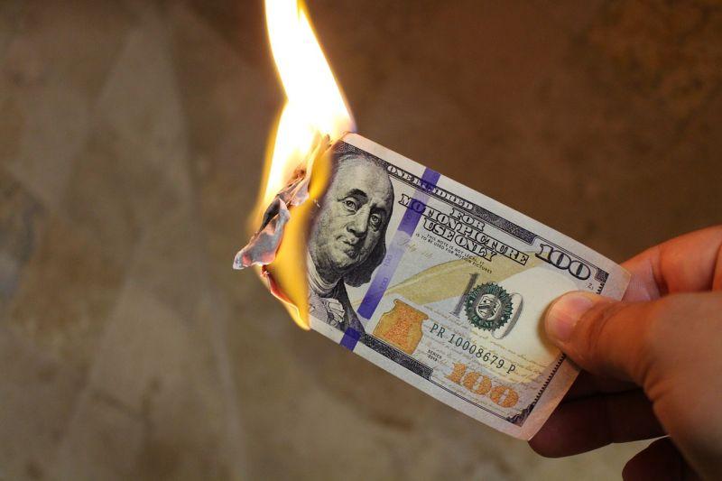 A kereskedelmi háborúk veszélyeztetik leginkább a világgazdaságot?