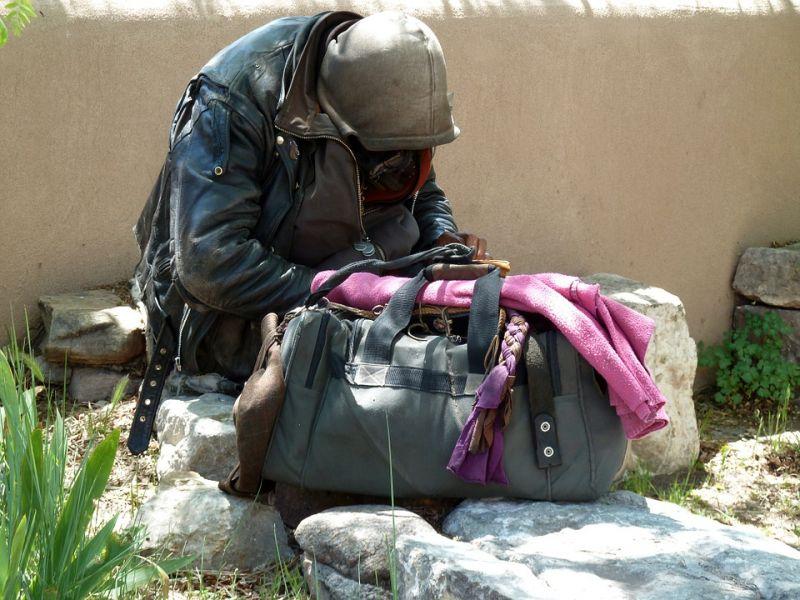 Ütik és megfélemlítik a hajléktalanokat Csepelen