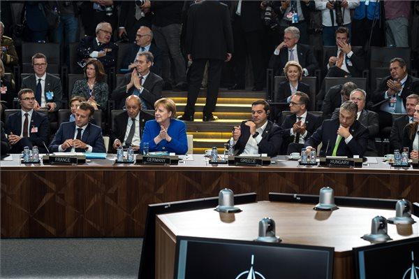 Merkel: Orbán segítséget kért a menekültválság idején