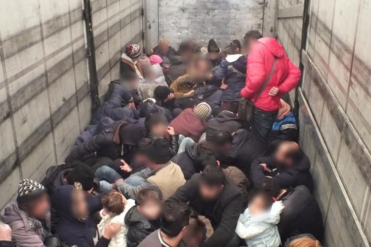 Macedónia ismét meghosszabbította a migrációs válsághelyzetet