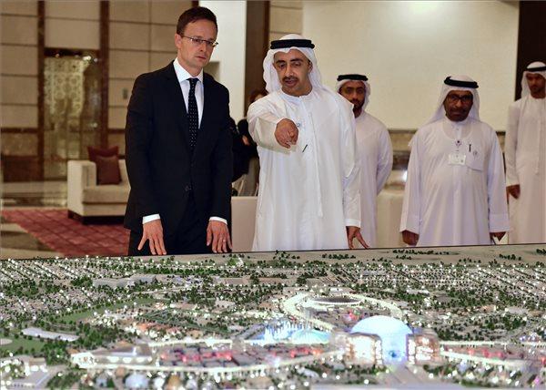 A terrorizmus ellen írt alá együttműködési megállapodást arab kollégájával Szijjártó