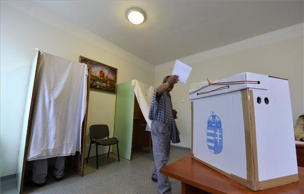 MSZP: a határon túli magyarok maguk közül válasszanak képviselőt!