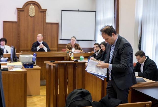 Tizenhárom vádlott kapott letöltendőt a vörösiszap-perben