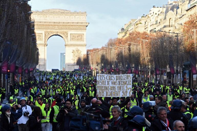 Párizsban már a tüntetések előtt több tucat embert őrizetbe vettek