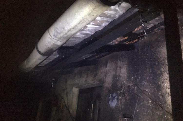 Idős férfit mentettek ki egy égő házból a balmazújvárosi rendőrök