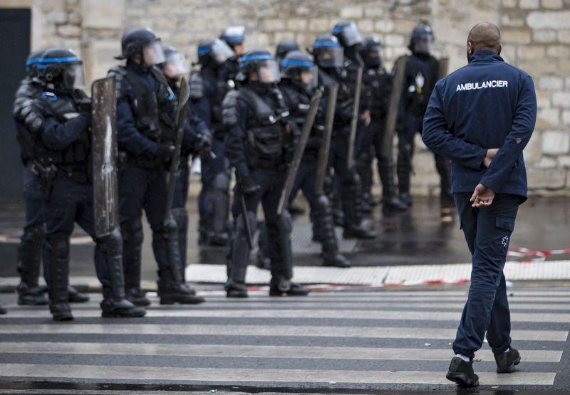 Félnek a rendőrök, hogy nagyon el fog durvulni a sárgamellényes balhé