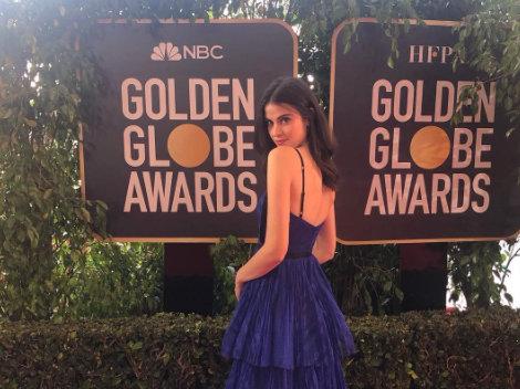 15 perc hírnév: egy szexi hostess fotóbombázta végig a Golden Globe-ot