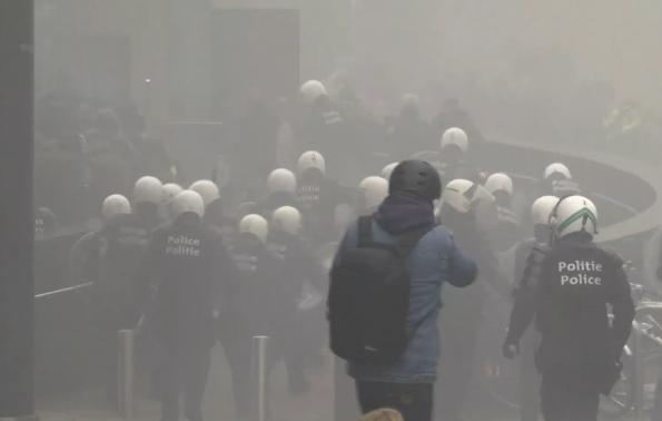 Erőszakos tüntetés volt Brüsszelben a migrációs csomag miatt