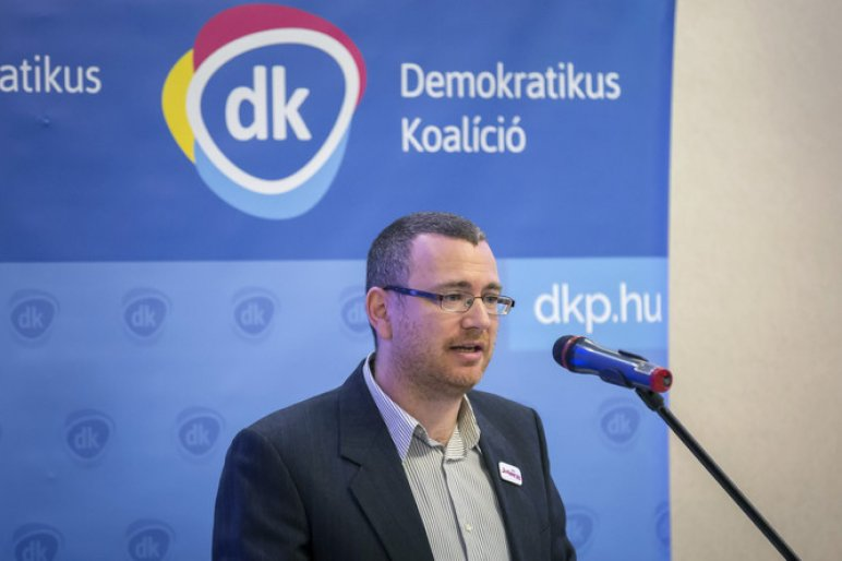 Kilépett a frakcióból az egyik DK-s képviselő, nyolcan maradtak Gyurcsányék