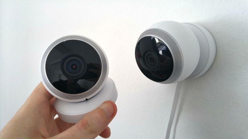 Bekábszizva lopott kültéri kamerát egy fiatal Győrben
