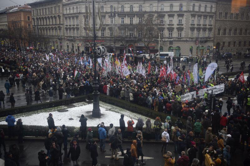 Egész Budapestet blokád alá vonják szombaton a tüntetők – videón a tervek