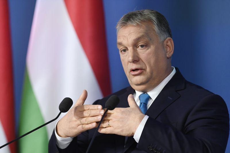 Már csak egy külpolitikai tanácsadója maradt Orbánnak
