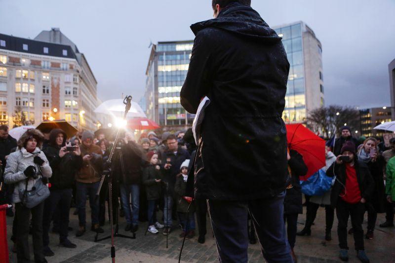 Sargentinivel tüntetett az ellenzék Brüsszelben – videók