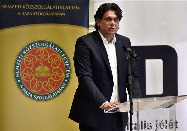 """Fidesz: a magyar ellenzéki pártok """"tőről metszett"""" bevándorláspárti politikát folytatnak"""