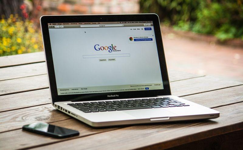 """Az Európai Bíróság főtanácsnoka a Google javára döntene a """"felejtéshez való jog"""" alkalmazásáról szóló perben"""
