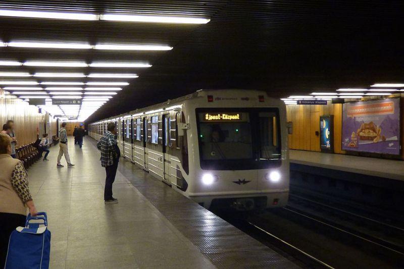 Az Újpest-Központ metróállomáson folytatódik a 3-as metró új szakaszának füstpróbája