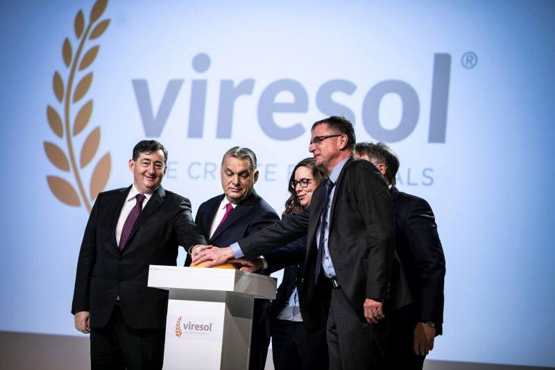 Felavatta Mészáros Lőrinc üzemét Orbán Viktor – képek