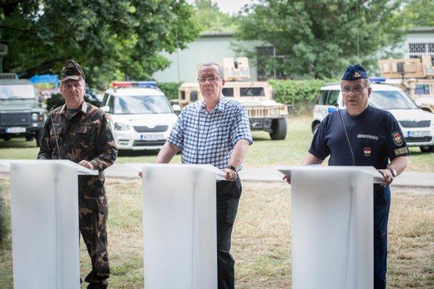 Bakondi: komoly biztonsági kockázatot jelent a balkáni helyzet