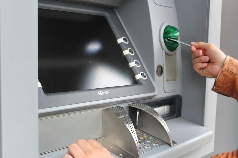 Halk megoldás: flexszel akart szétvágni egy bankautomatát a kecskeméti férfi