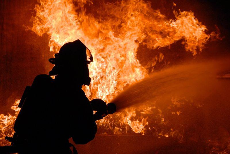 Kigyulladt egy ház, egy eszméletlen nőt találtak a tűzoltók