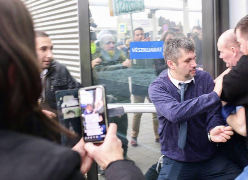 Az MTVA vezérigazgatója szerint 23 millió forintos kárt okoztak a székházban az ellenzéki képviselők