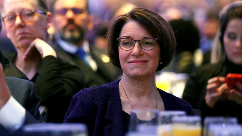 Amy Klobuchar személyében újabb elnökjelölt-aspiránsa van az amerikai Demokrata Pártnak