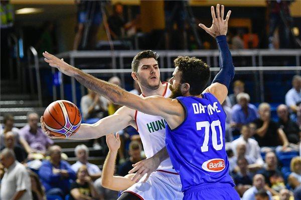 Súlyos vereséget szenvedett Olaszországtól a magyar válogatott, nem lesz ott a kosárlabda vb-n