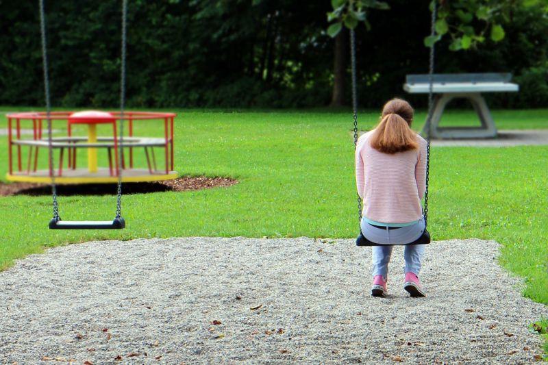 Tizenkét és fél évet kapott egy 15 éves lány megerőszakolásáért a 33 éves siófoki férfi