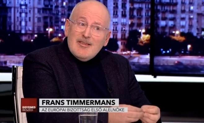 """Timmermans: """"Magyarországon közpénzt költenek hazug plakátokra"""", pedig hiány van orvosokból és tanárokból"""""""
