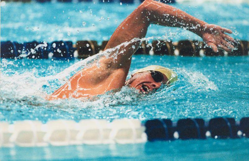 Rogán Cecília is adott át érmet az úszóbajnokságon