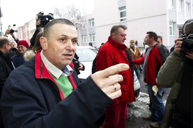 Rosszul lett a bíró előtt Lagzi Lajcsi, amikor meghallotta, mivel vádolják a feleségét