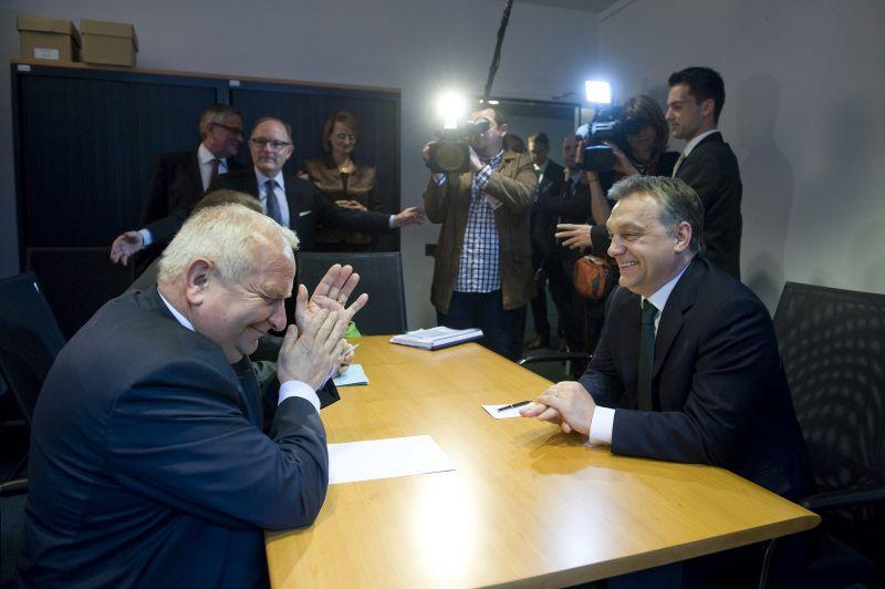 Orbán-botrány: az EPP elnöke meglebegtette, lemond, ha nem veszik napirendre a kizárás ügyét