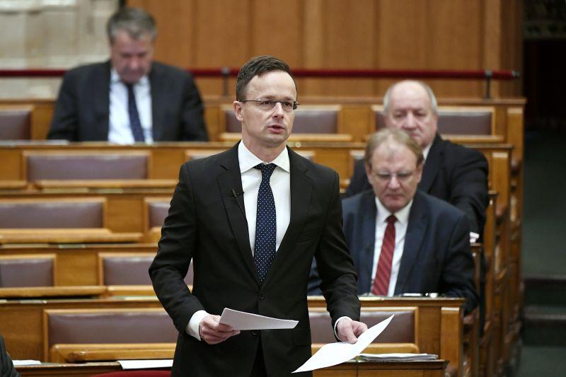 A Fidesz megint leleplezte Brüsszel titkos terveit