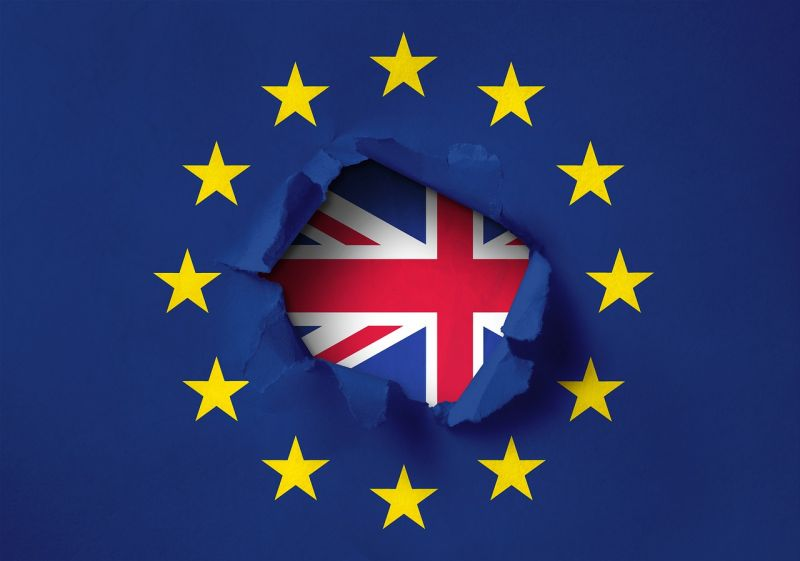 Végleg elutasította a londoni alsóház a megállapodás nélküli Brexit