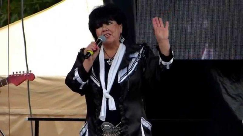 """""""Belenéztek a telefonomba is a biztonságiak"""" – kiakadtak a nézők a Dolly Roll szombati koncertjén"""