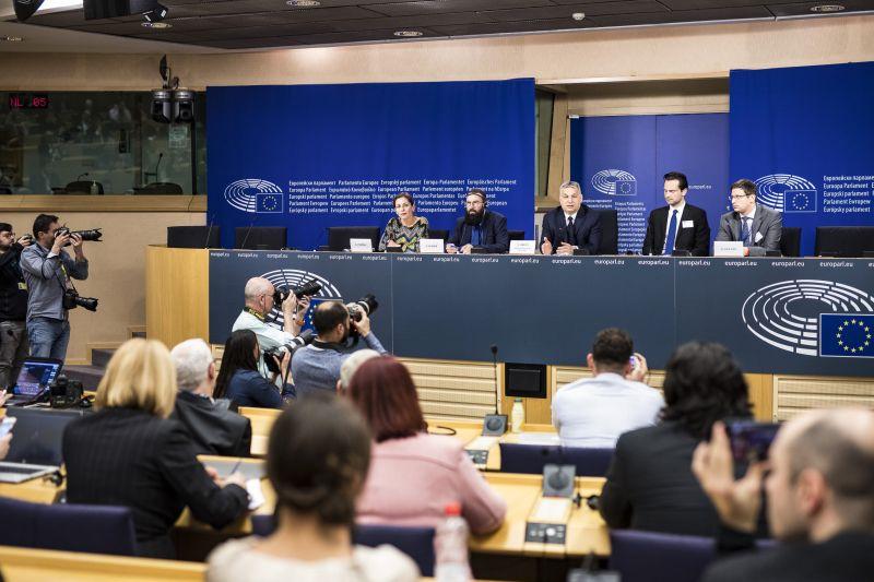 Óriási Fidesz-győzelemről és bevándorláspárti vereségről beszéltek a szakértők a köztévén