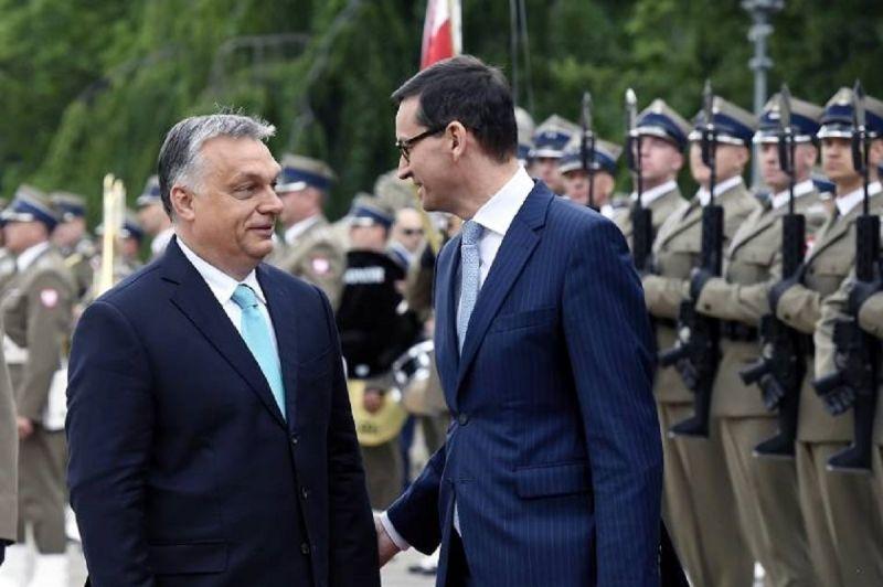 A lengyel kormányfő lesz Orbán Viktor előzenekara március 15-én