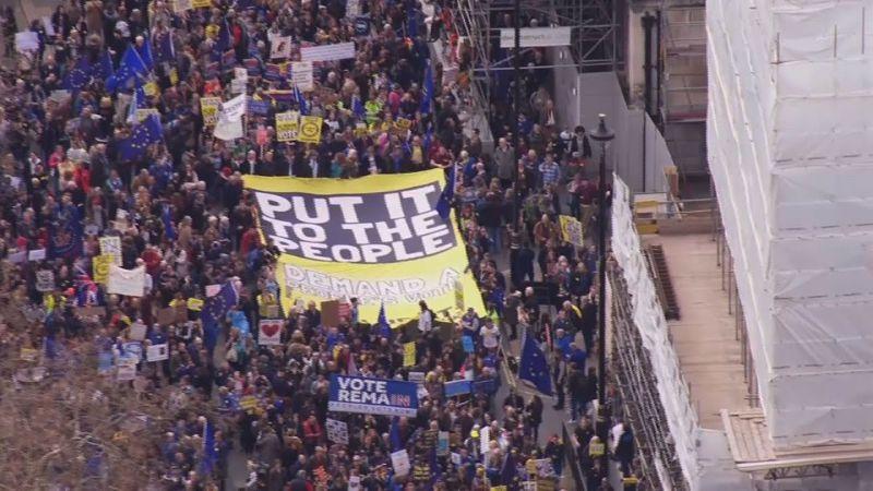 Egymillió tüntető is követelhette a Brexit leállítását Londonban