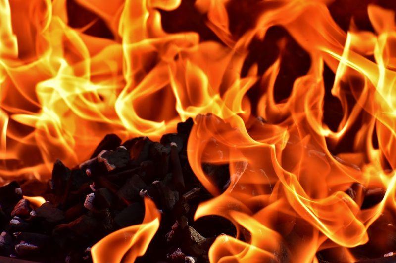 Tilalom: tűz miatt nem járnak a vonatok