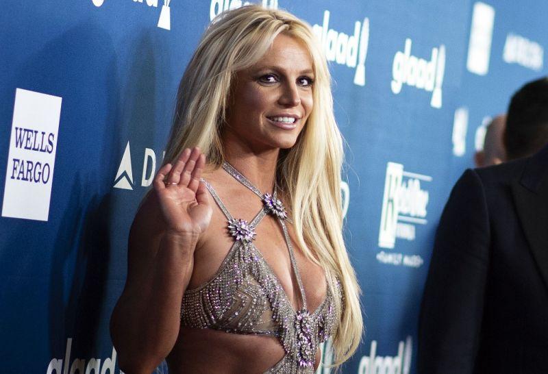 Britney Spears lemondta az összes koncertjét