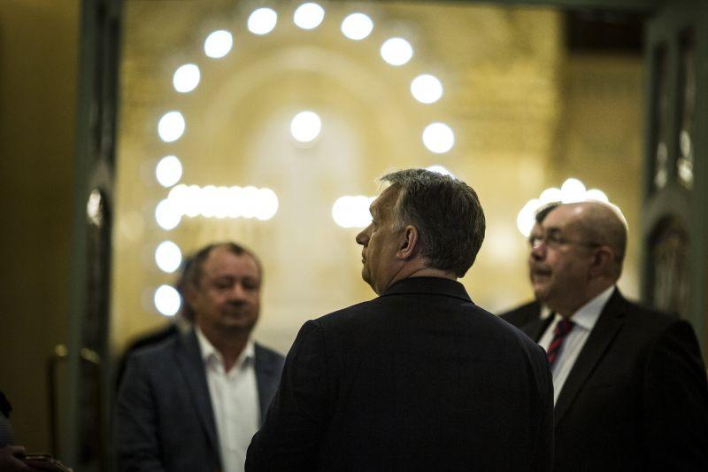 Orbán Viktor Kazahsztánba és Kínába utazik