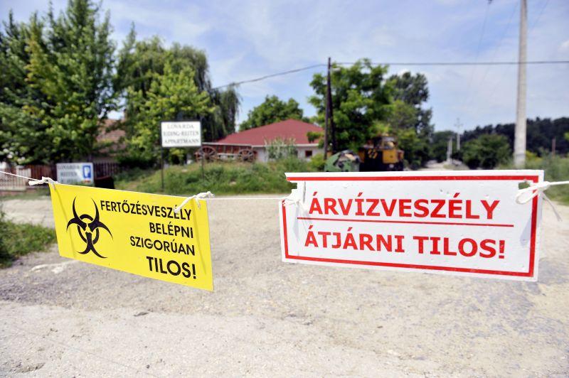 Készülnek az árhullámra a Dunán