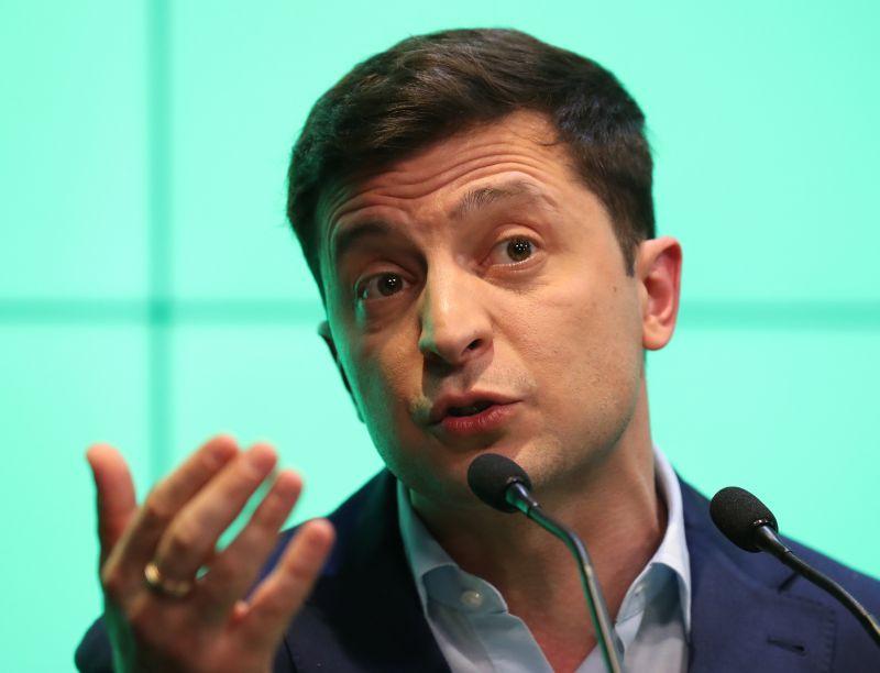 Ukrán elnökválasztás: Porosenko elismerte vereségét, Zelenszkij mindenkinek megköszönte a segítséget