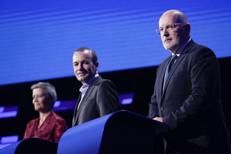 Weber: mielőbb határozottan fel kell venni a harcot az integrációt lerombolni kívánók ellen