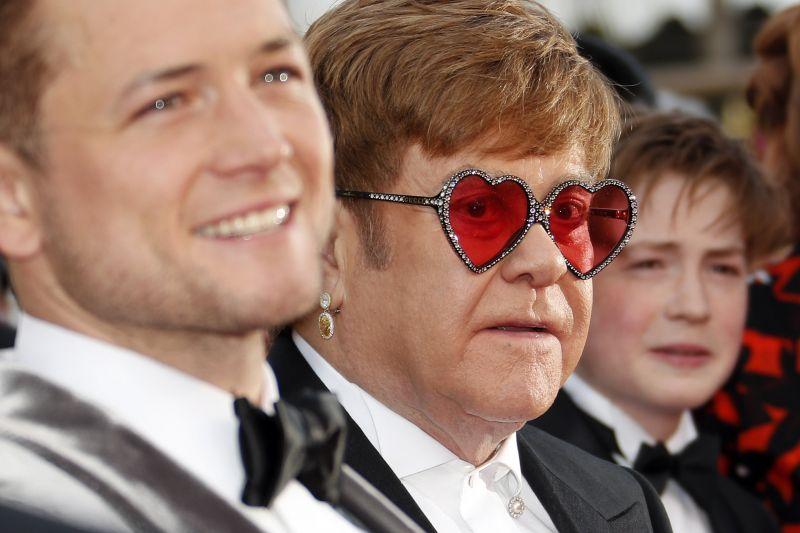 Elton John jelenlétében mutatták be a róla készült életrajzi filmet a cannes-i fesztiválon