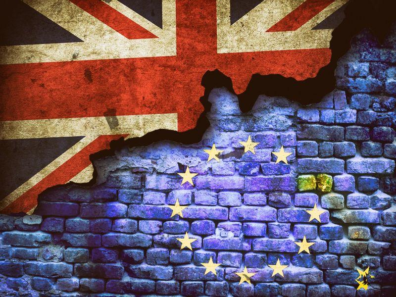 Újabb fokozatba kapcsolt a Brexit-bohózat
