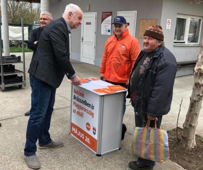 Fidesz: már 1 millió 150 ezren támogatják aláírásukkal Orbán Viktor hétpontos programját